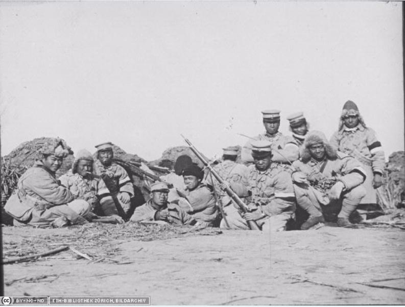 342 photos inédites de la Grande guerre !!! Ae610