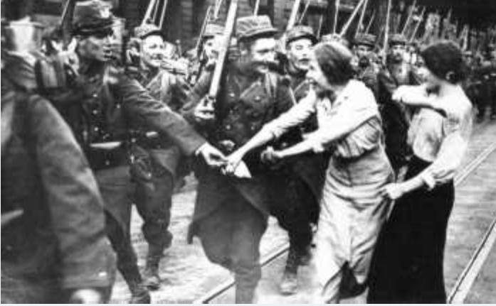 342 photos inédites de la Grande guerre !!! G410