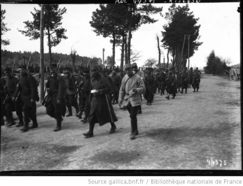342 photos inédites de la Grande guerre !!! Gg14710