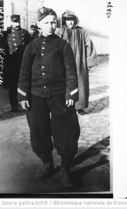 342 photos inédites de la Grande guerre !!! Gg15010