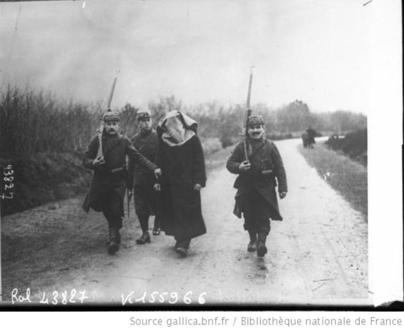 342 photos inédites de la Grande guerre !!! Gg15710