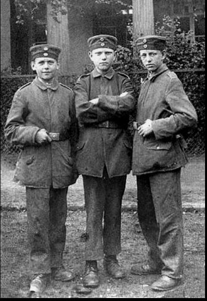 Photos rares de la Grande Guerre, seasons 2. Sans_t22