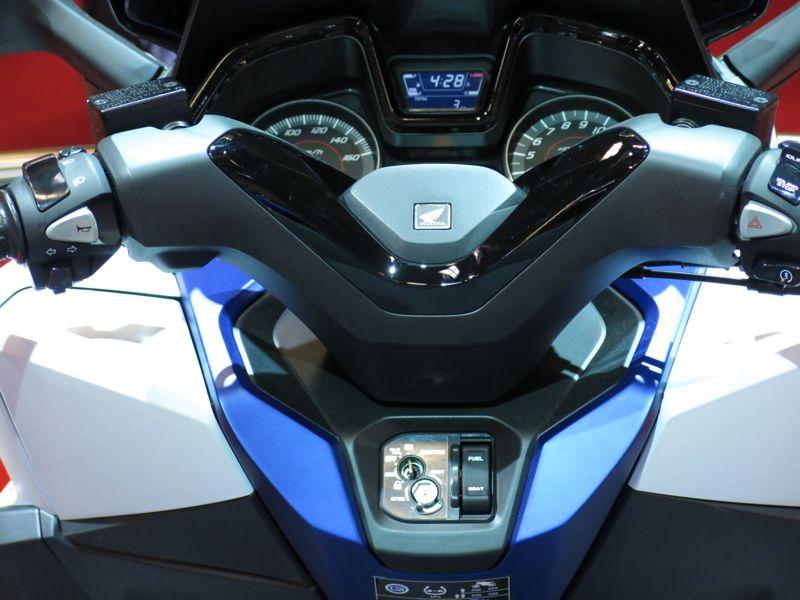 Nouveau Honda Forza 125 5510