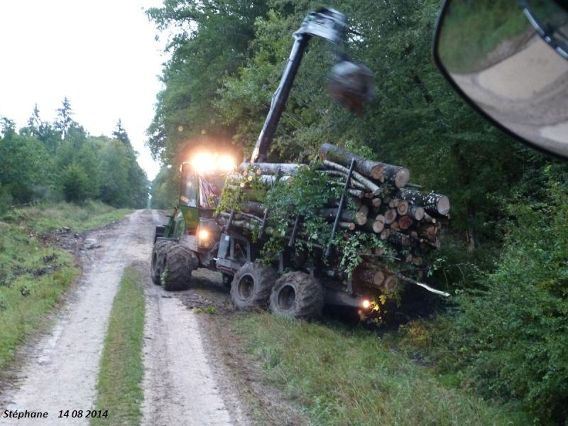 Porteur forestier (John Deere) P1260416