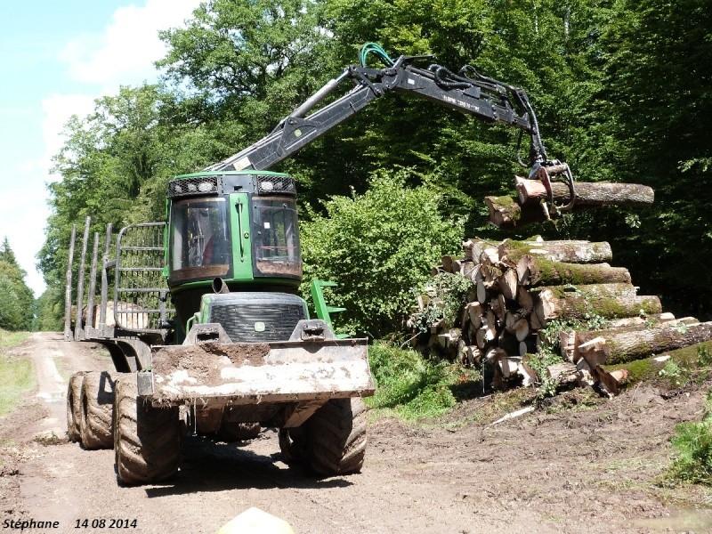 Porteur forestier (John Deere) P1260519