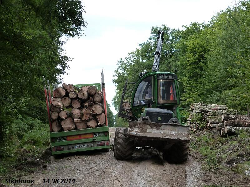 Porteur forestier (John Deere) P1260522
