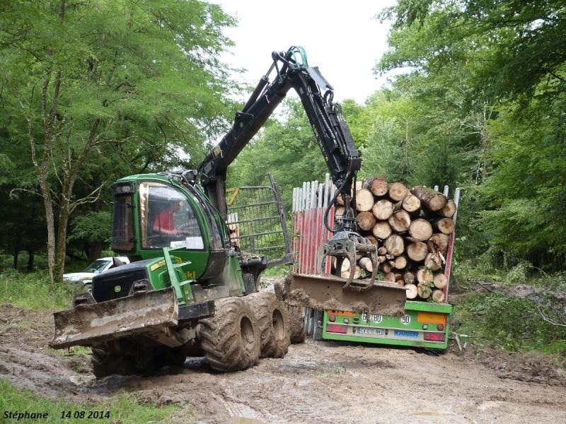 Porteur forestier (John Deere) P1260523