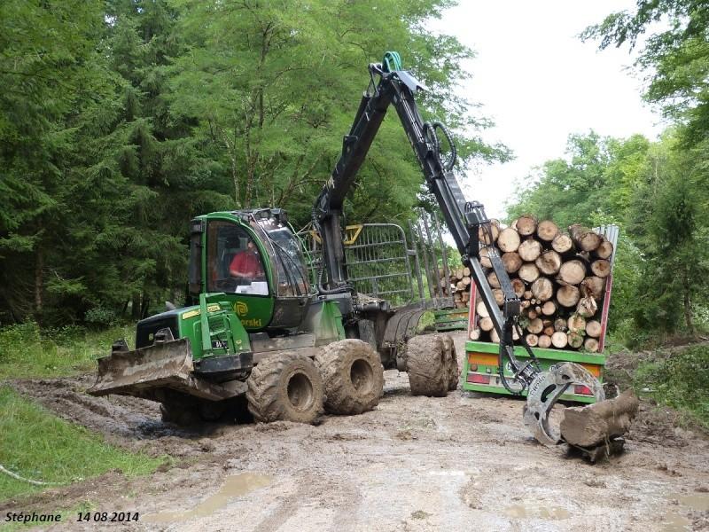 Porteur forestier (John Deere) P1260524