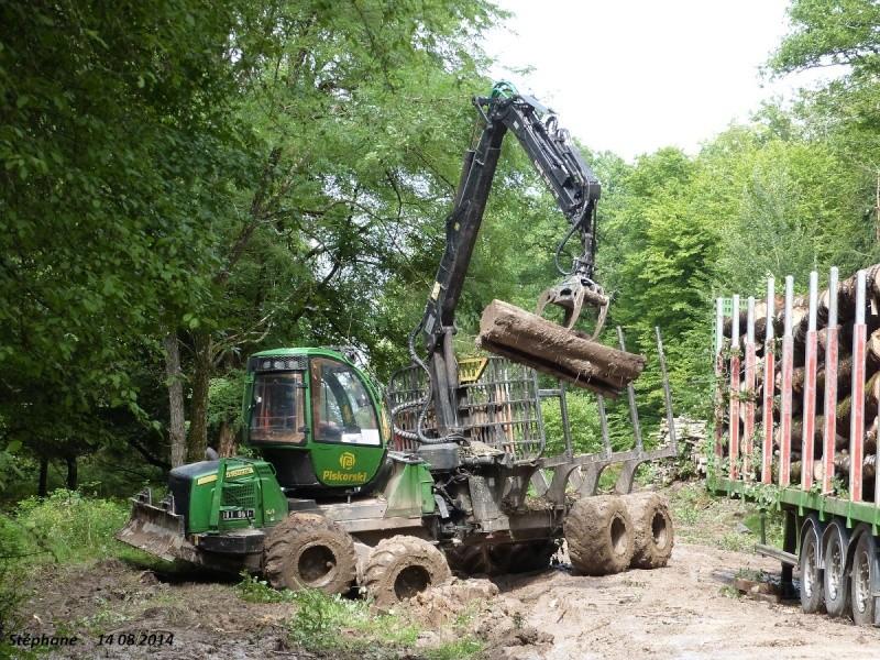 Porteur forestier (John Deere) P1260526