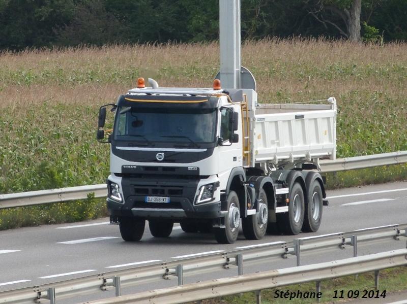 FMX la gamme chantier de Volvo - Page 2 P1280143