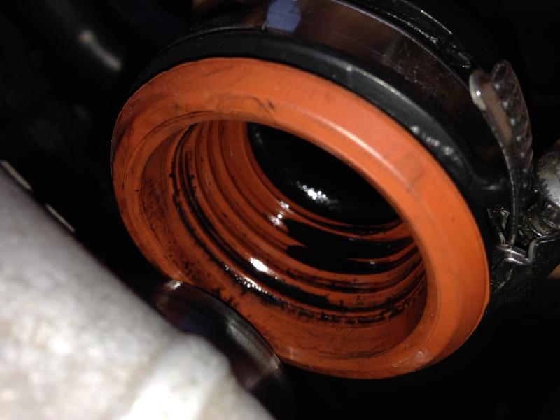 Présence d'huile dans la durite d'entrée turbo ?  Img_0012