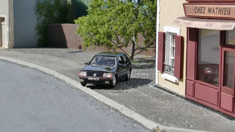 Mon réseau HO Saint-Vivien - Page 4 P1030711