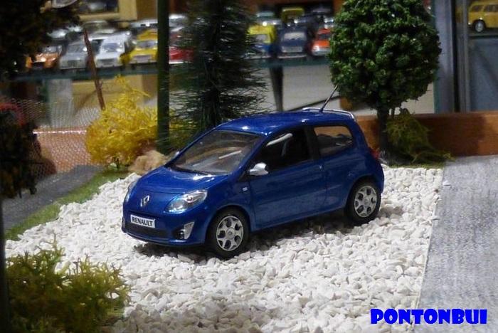 * 01 - Renault ( Les modernes post-1990 )  012411