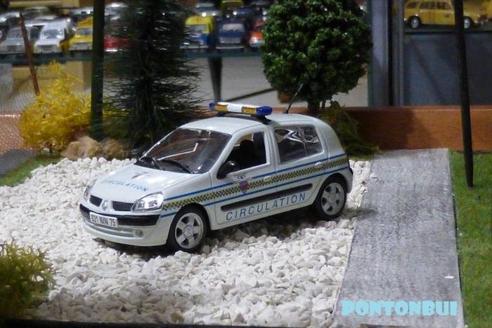 * 01 - Renault ( Les modernes post-1990 )  10621815