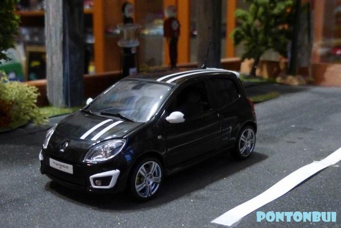 * 01 - Renault ( Les modernes post-1990 )  Dsc09518