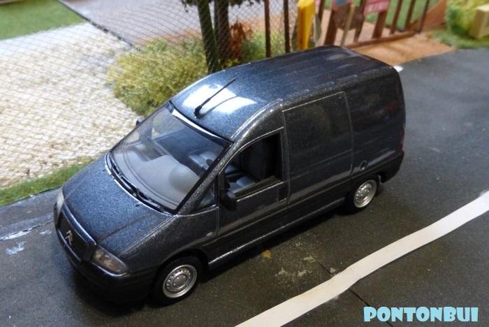 03 - Citroën ( Les Modernes Post-1990 )  P1010820
