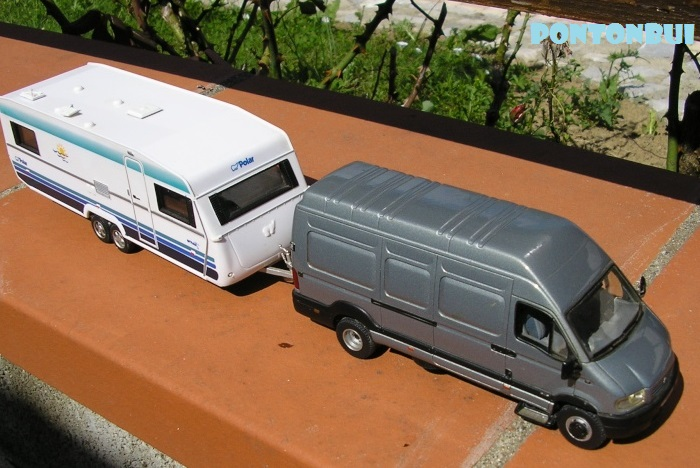 * 01 - Renault ( Les modernes post-1990 )  P1010930