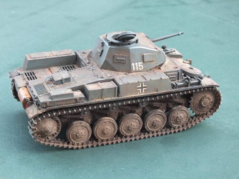 Panzer II ausf .F Tamiya 1/35 : FINI - Page 2 Dscf4710