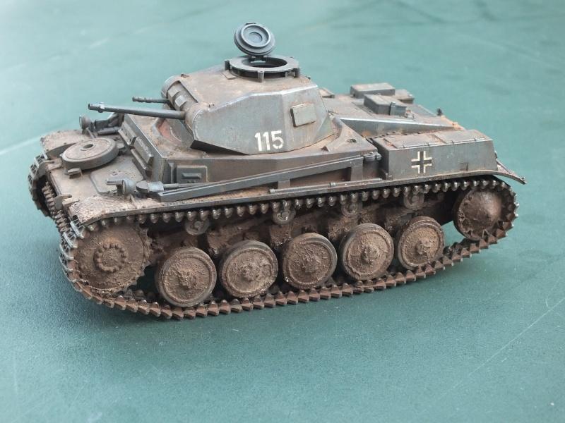 Panzer II ausf .F Tamiya 1/35 : FINI - Page 2 Dscf4711