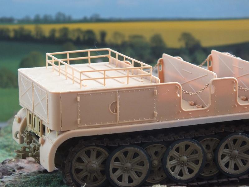 Sd.Kfz.8 Schwerer Zugkraftwagen 12 ton (Trumpeter 1/35) (DÉBUT DE PEINTURE) - Page 2 Dscf4725