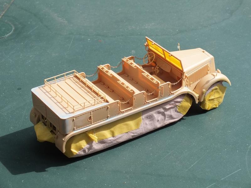 Sd.Kfz.8 Schwerer Zugkraftwagen 12 ton (Trumpeter 1/35) (DÉBUT DE PEINTURE) - Page 2 Dscf5421