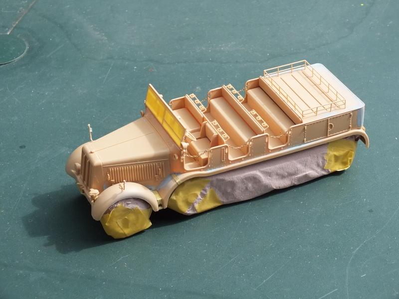 Sd.Kfz.8 Schwerer Zugkraftwagen 12 ton (Trumpeter 1/35) (DÉBUT DE PEINTURE) - Page 2 Dscf5422