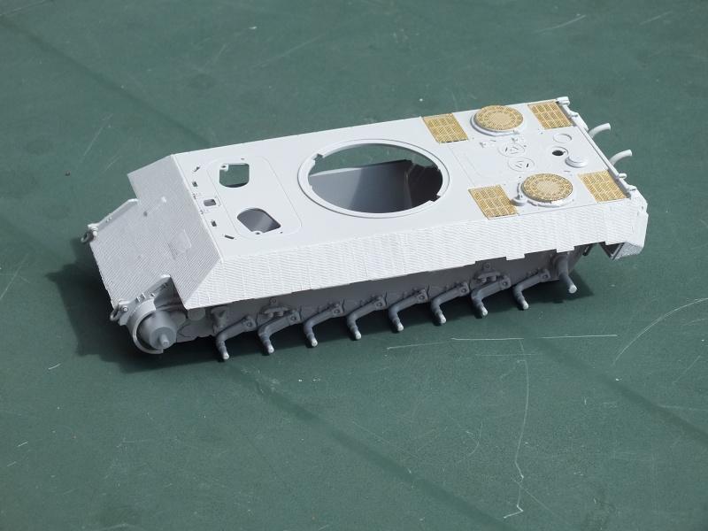 Panther Ausf D Dragon 1/35 avec Zimmerit réf. 6428 (FIN  DE PATINE , finitions lors de la  mise en place sur Dio) Dscf5435