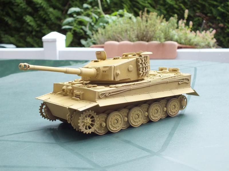 Tiger I Late version ,tamiya 1/35 (début de patine) Dscf5816