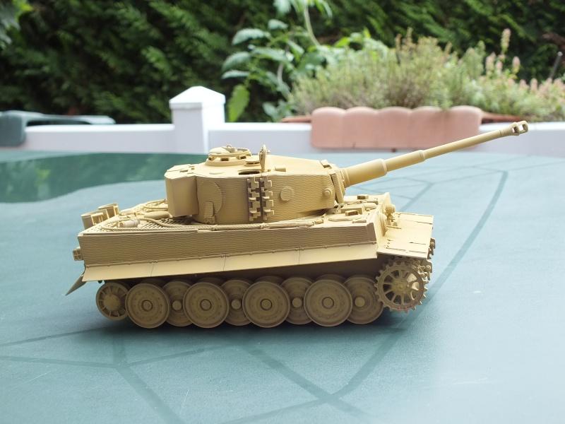 Tiger I Late version ,tamiya 1/35 (début de patine) Dscf5817