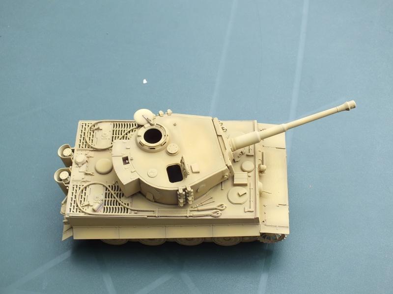 Tiger I Late version ,tamiya 1/35 (début de patine) Dscf5818