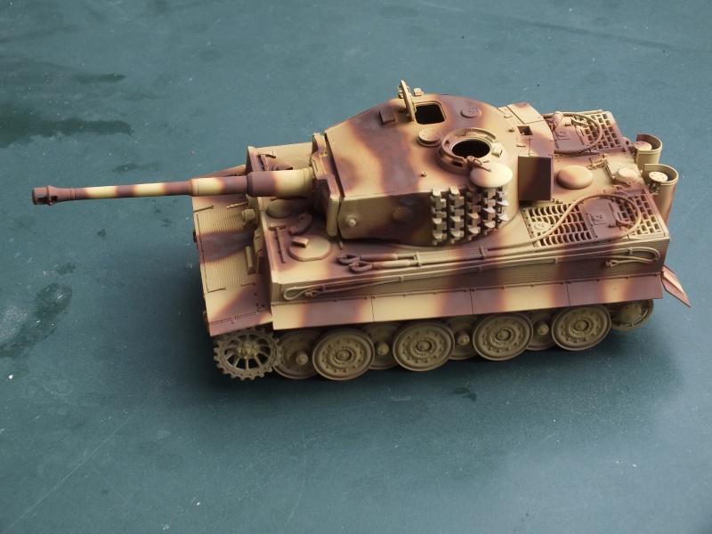 Tiger I Late version ,tamiya 1/35 (début de patine) Dscf5910