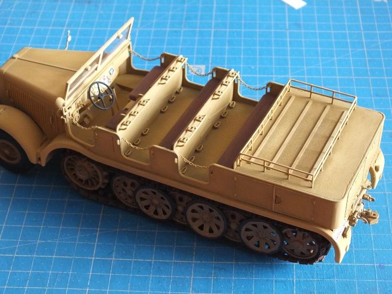 Sd.Kfz.8 Schwerer Zugkraftwagen 12 ton (Trumpeter 1/35) (DÉBUT DE PEINTURE) - Page 3 Dscf6313