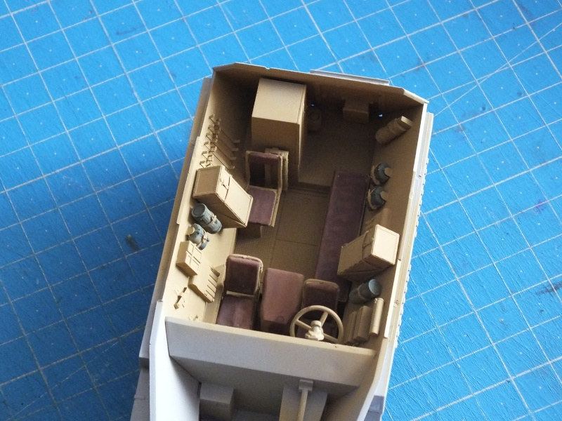 Sdfz 250/1 Neu  Dragon 1/35 kit n° 6427 Premium Edition - Page 2 Dscf6315