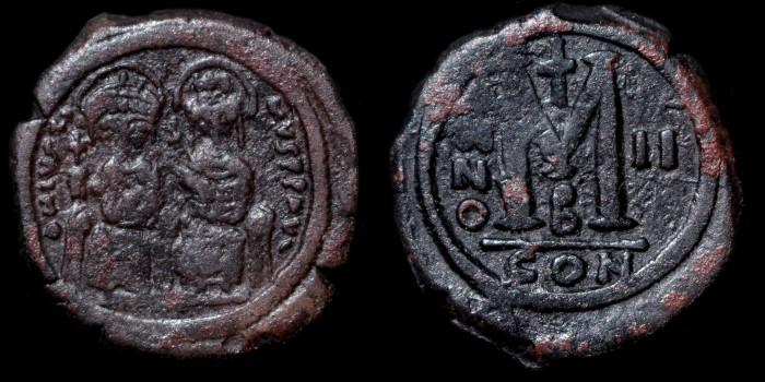Byzantivm - l'histoire de l'empire byzantin et ses monnaies  - Page 3 0565-j10