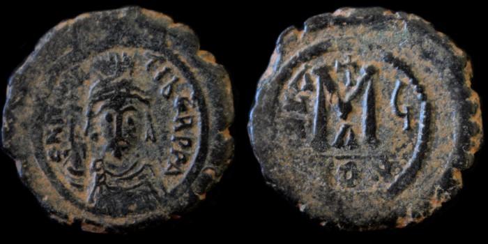 Byzantivm - l'histoire de l'empire byzantin et ses monnaies  - Page 3 0582-m10