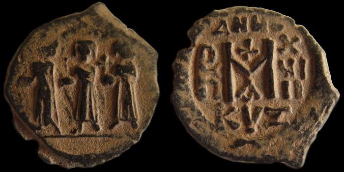 Byzantivm - l'histoire de l'empire byzantin et ses monnaies  - Page 3 0610-h24
