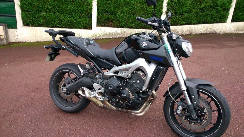 Photos de toutes les Yamaha MT-09 du forum ! :) Y_viei10