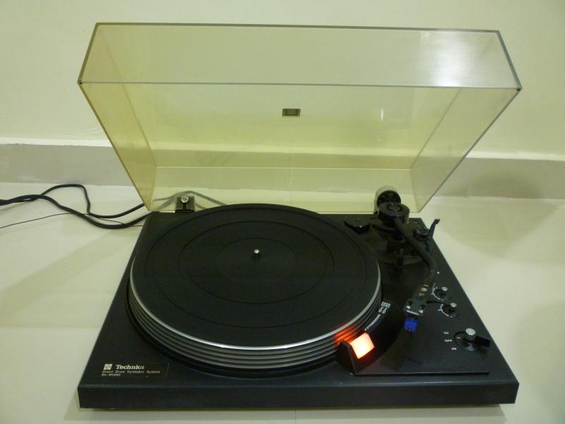 Technics SL-2000 Direct Drive Turntable with Stanton 500 AL II MM Cartridge (Sold) P1120917