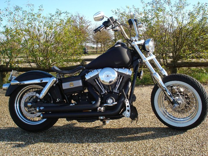 DYNA STREET BOB combien sommes nous sur Passion-Harley - Page 4 35360_14
