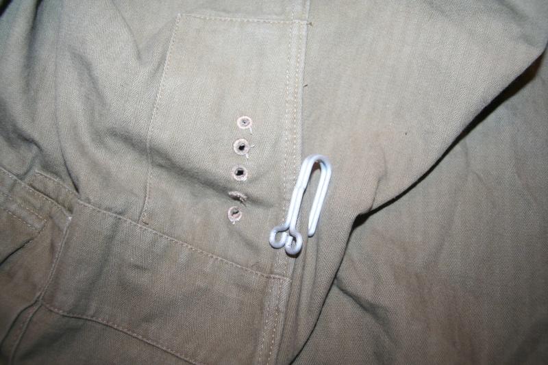 Mise en place des crochets de vareuse Img_9711