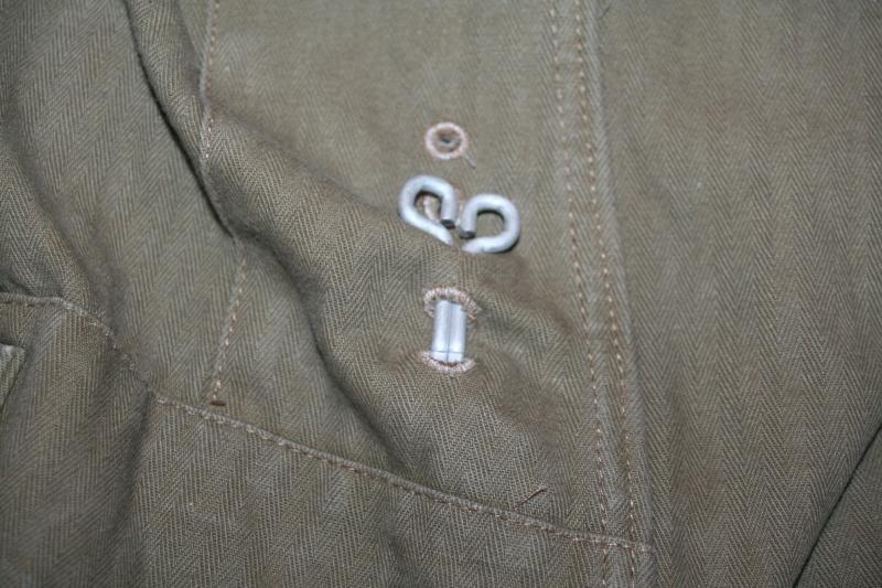 Mise en place des crochets de vareuse Img_9715