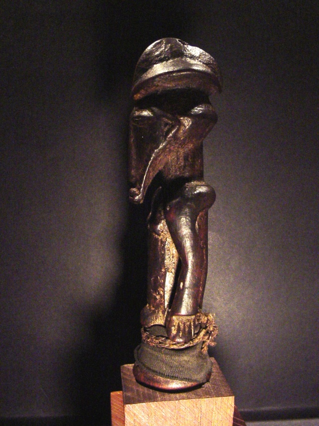 Basikasingo, (pre-Bembe/Buyo) people, Milindi ya Batee/ Banya, (Statuette des sorciers/guérrisseurs), Région de Lulenge, Lac Tanganyika, Congo Basika27