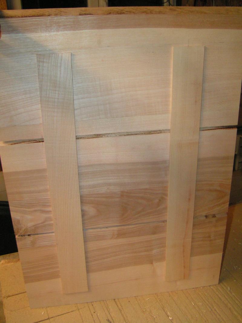 Fabrication d'une cuisine en frêne olivier - Page 2 Pict1711