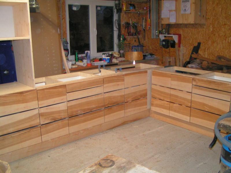 Fabrication d'une cuisine en frêne olivier - Page 5 Pict1741