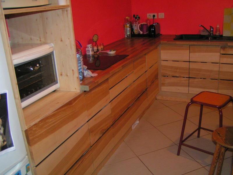 Fabrication d'une cuisine en frêne olivier - Page 6 Pict1745