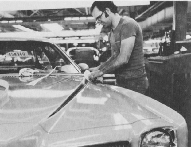 Assembly line photos 1973_l10
