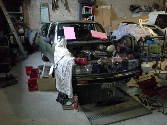 Révision en profondeur de mon Alfetta 2000 '79 Img_2146