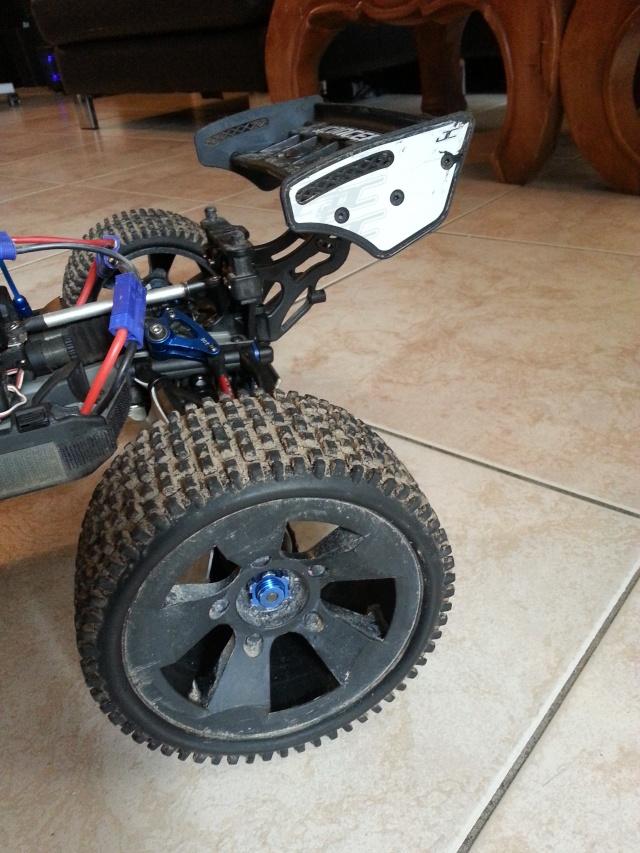 Le E-REVO de speedeur !! 2014-046
