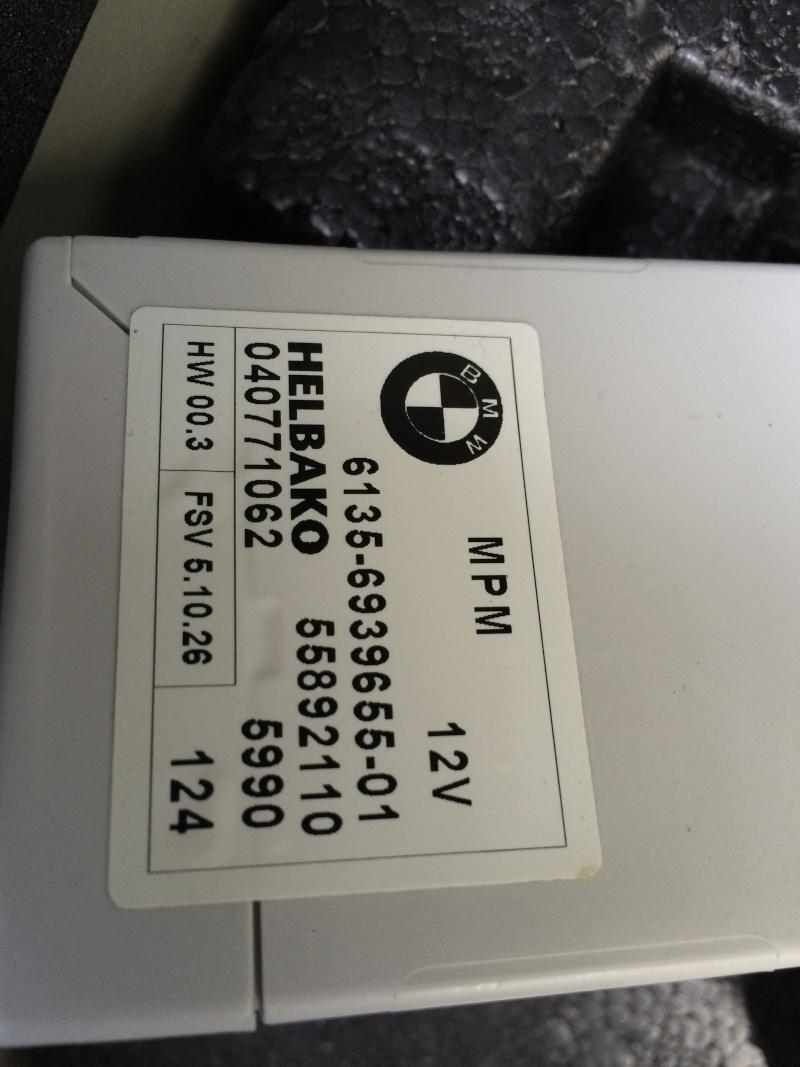 (bmw 530d e60) a quoi sert ses 3 boitiers dans le coffre ? Img_1010