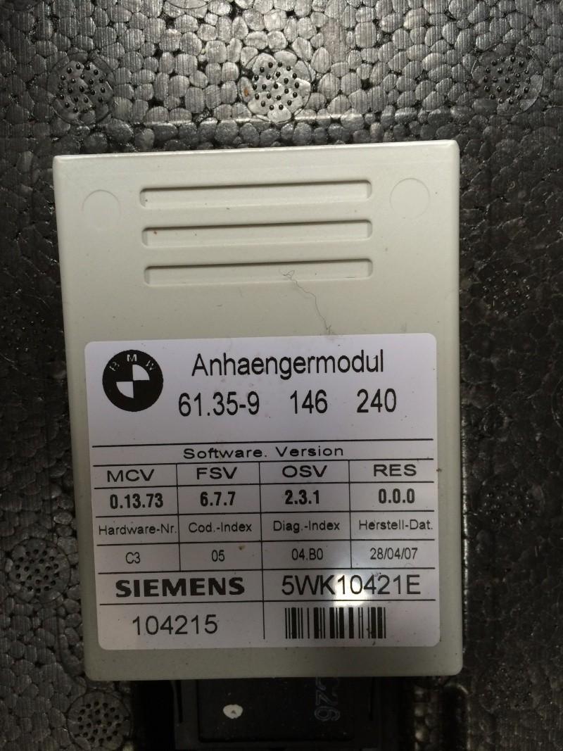 (bmw 530d e60) a quoi sert ses 3 boitiers dans le coffre ? Img_1011